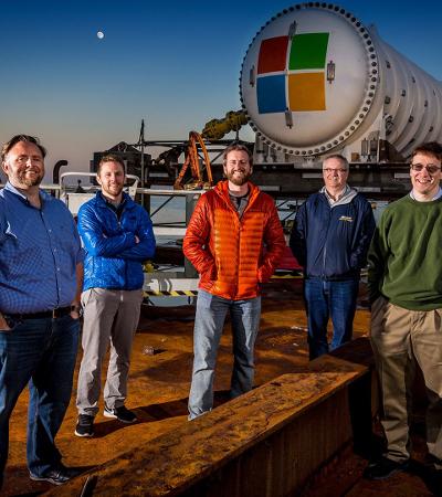 """Image for 为了更好的""""云"""",微软开始测试""""潜艇式""""海底数据中心"""